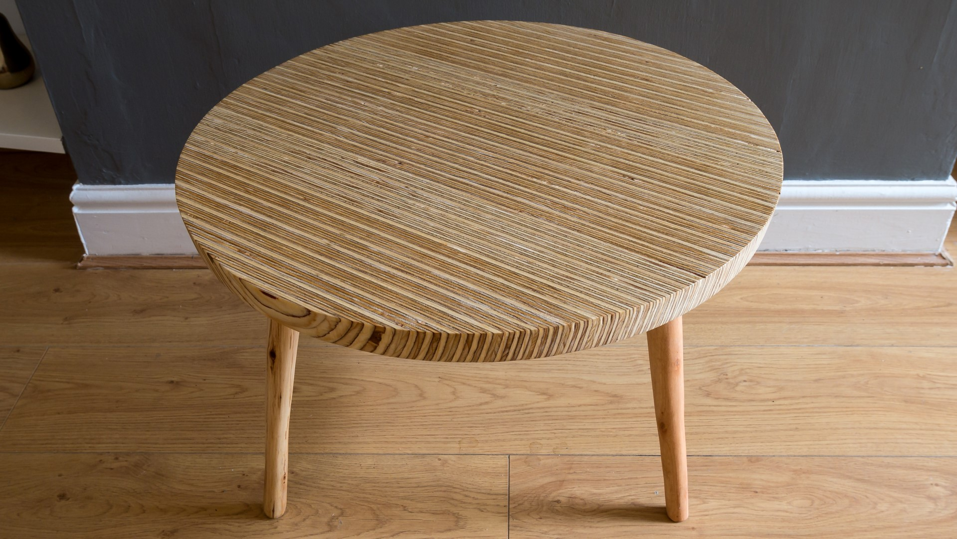 Exceptionnel Circular Plywood Coffee Table